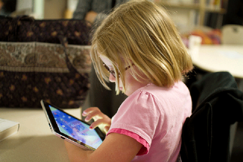 Digitale Spiele für Kinder: Der richtige Umgang mit Computer, Smartphone und Co