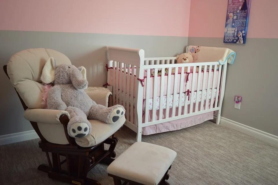 Kinderzimmer streichen: Tipps und Tricks